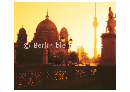 Postkarte GS-130 / Berlin at sunrise